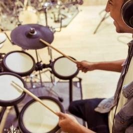 How to Pick the Best Electronic Drum Set for a Rocking Performance